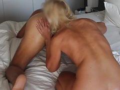 EheHure leckt zum allerersten mal ein Arschloch