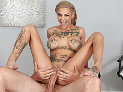 Inked superslut Bonnie Rotten squirt all over JMac's body