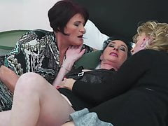 OLD GRANDMAS AT CRAZY LICK AND FUCK LESBO ACTION