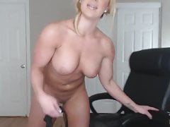 Give Cum For Muscle Mommy Joi