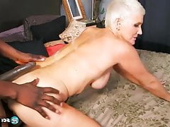 Cougar Lexy in interracial action